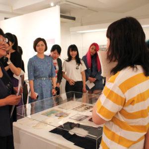 女子美の衣服教育展